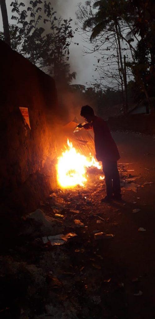 plastic-waste-burning