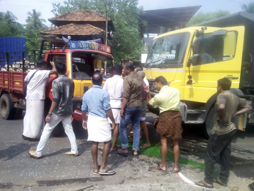 kavumpuram-truck accident