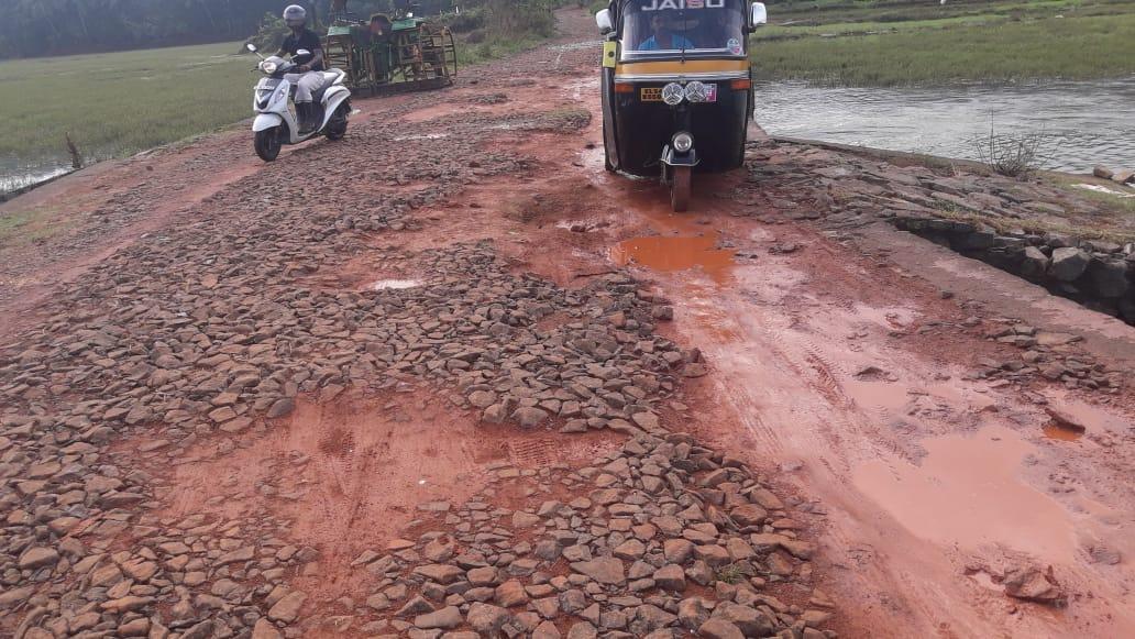 Puramannur-alukkalpadi-road