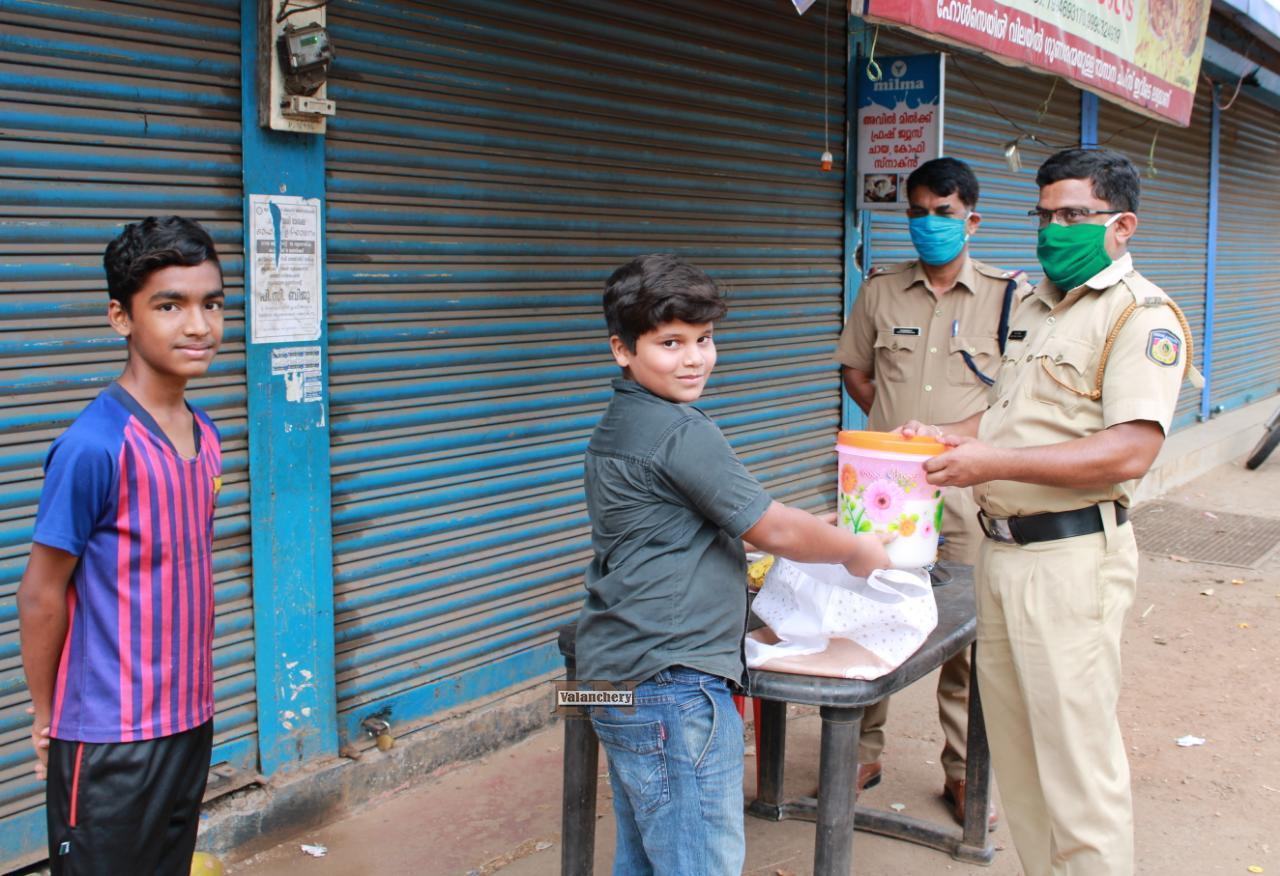 lockdown-painkannur-police-water