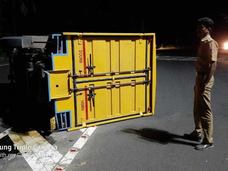 vattappara-bolero-goods-accident