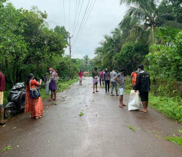 youth-united-marakkara-cleaning